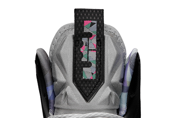 LeBron-X-Mens-Basketball-Shoe-541100_004_C.png&wid=1238&hei=884&fmt