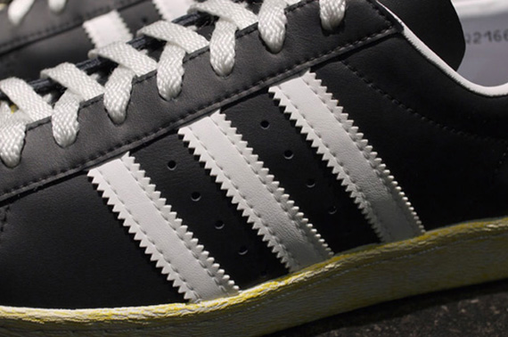 ft-q21662-r4-Holiday-2012-mita-sneakers-x-adidas-Originals-