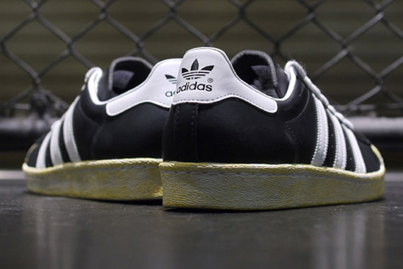 ft-q21662-r6-Holiday-2012-mita-sneakers-x-adidas-Originals-