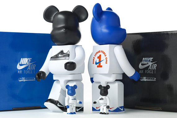 medicom_bearbrick_group_v2_large