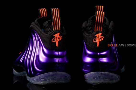 nike-air-foamposite-one-electro-purple-01-570x379