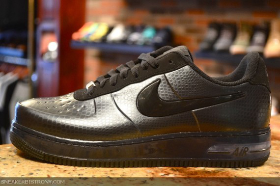 nike-air-force-1-low-foamposite-pro-black-snake-2-570x379