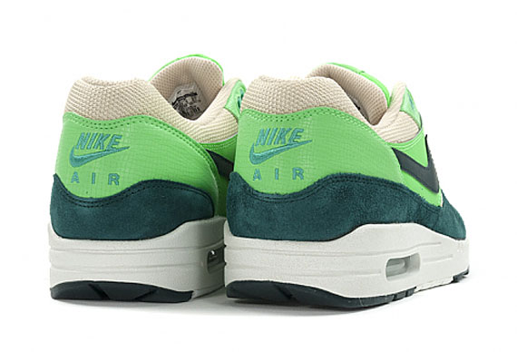 nike-air-max-1-essential-atomic-teal-4
