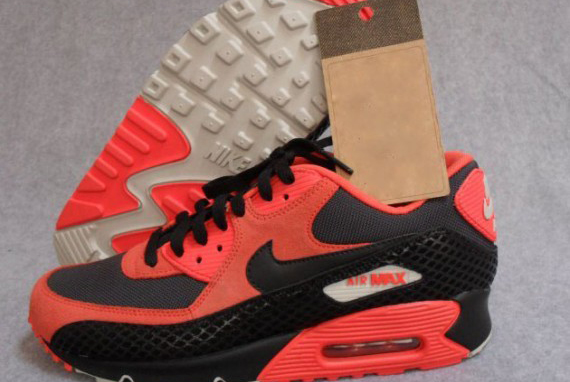 nike-air-max-90-premium-snake-team-orange-black-anthracite-1-570x497