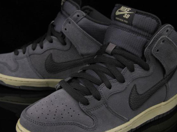 nike-dunk-high-sb-anthracite-matte-olive-1