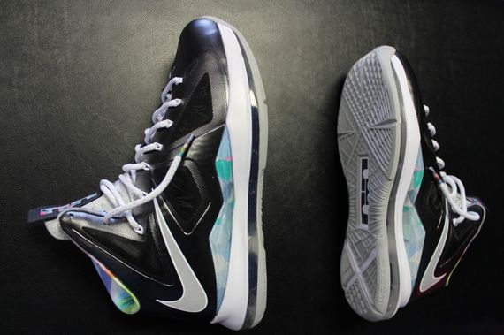 nike-lebron-x-prism-arriving-at-retailers-01