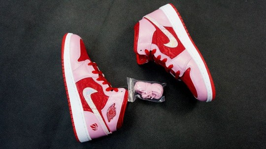 Air Jordan 1 Mid Prem Gs Valentine Day 6 540 303