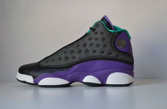 Air-Jordan-13-Black-Ultraviolet-Atomic-Teal-3-540x355