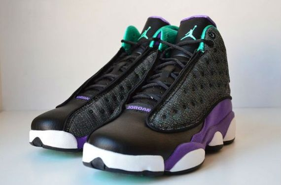 Air-jordan-13-Black-Ultraviolet-Atomic-Teal-8-540x356
