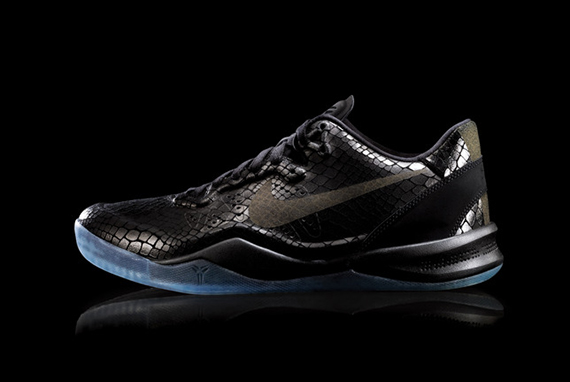 KOBE_8_EXT_BLACK_01_large