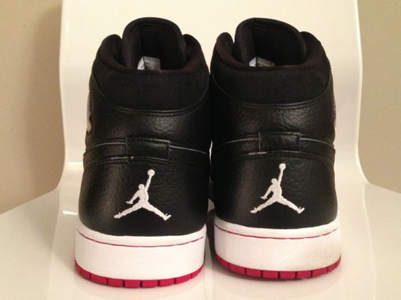 air-jordan-1-97-retro-playoffs-04