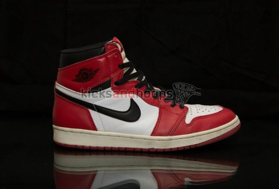 air-jordan-1-high-chicago_11