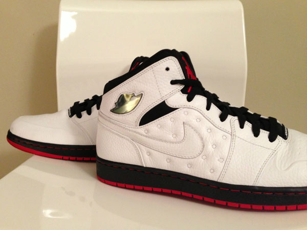 air-jordan-1-retro-97-white-black-red-sample-02
