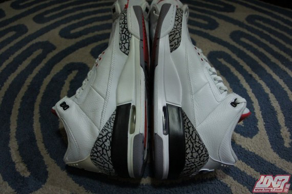 air-jordan-iii-white-cement-2003-vs-2013-retro-comparison-3-570x379