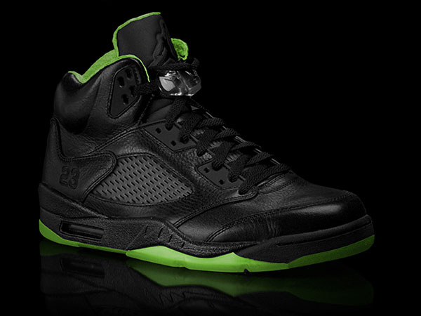 airjordan-5-xx8-days-of-flight-black-electric-green-01