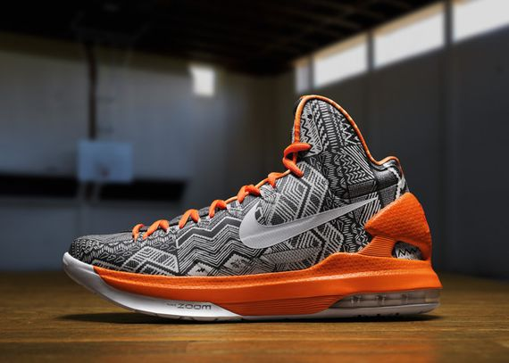 nike-basketball-black-history-month_02