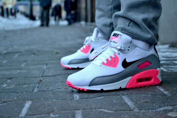 nike-wmns-air-max-90-premium-em-engineered-mesh