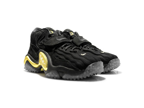 nike_air_zoom_turf_jet_97_qs-black-black-yellowstrike-01