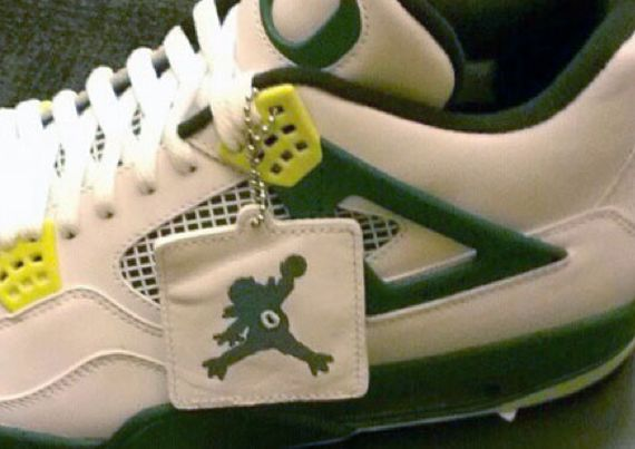 oregon-duck-air-jordan-4-_03