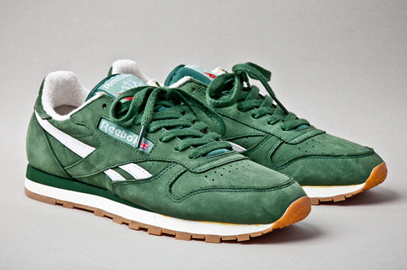 reebok-classic-leather-vintage-racing-green-angle-1