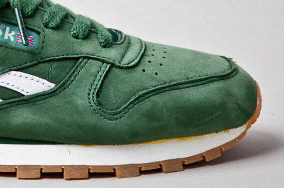 reebok-classic-leather-vintage-racing-green-toebox-1
