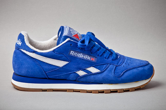 reebok-classic-leather-vintage-union-blue-profile-1