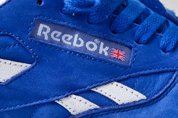 reebok-classic-leather-vintage-union-blue-side-1
