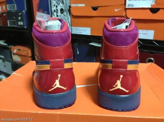 year-of-the-snake-air-jordan-1-_05