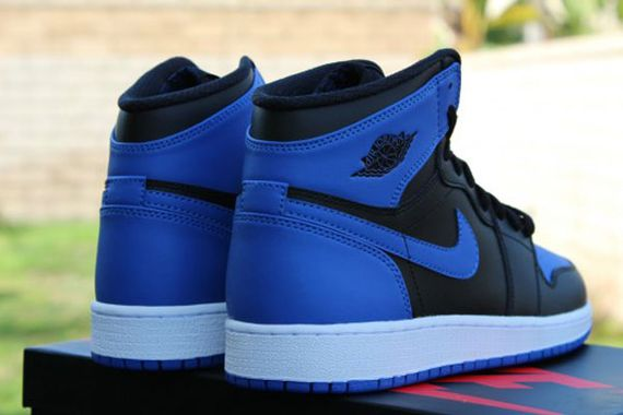 Air-Jordan-1-OG-Retro-High-Black-Royal-Blue-01