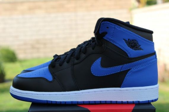 Air-Jordan-1-OG-Retro-High-Black-Royal-Blue-02
