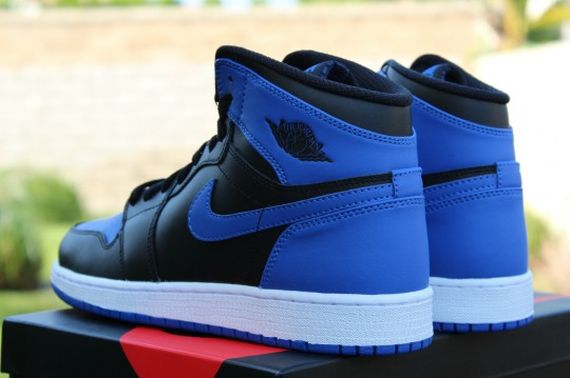 Air-Jordan-1-OG-Retro-High-Black-Royal-Blue-06