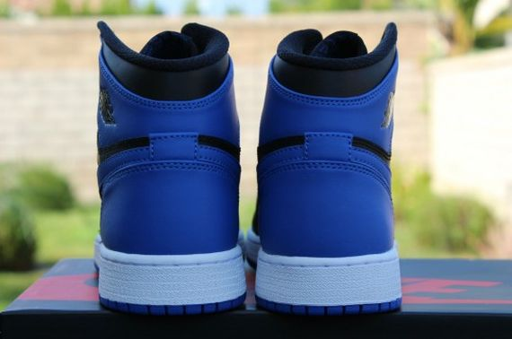 Air-Jordan-1-OG-Retro-High-Black-Royal-Blue-07