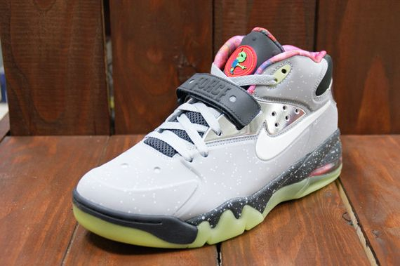 Nike-Air-Force-Max-2013-Area-72-03