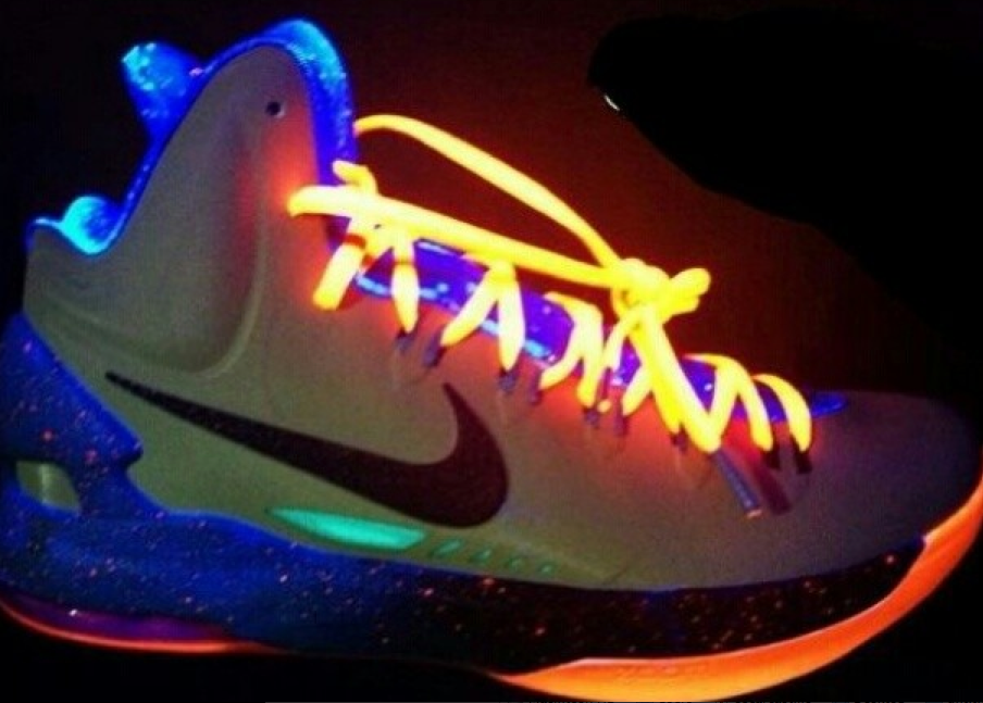 "online store d08e1 75d7f Nike Zoom KD V ""Extraterrestrial"" Under a Black Light"