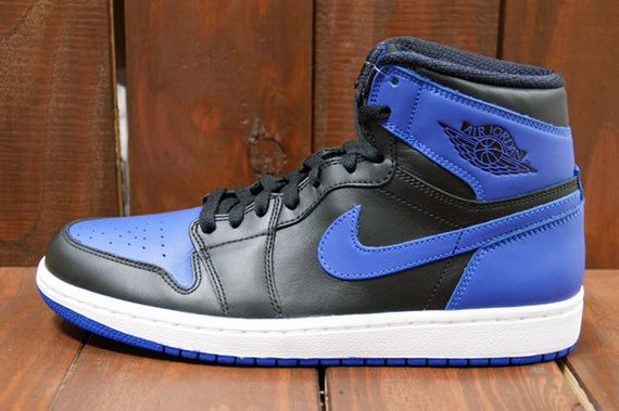 air-jordan-1-high-royal_03