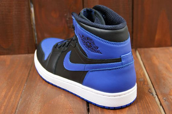 air-jordan-1-high-royal_05
