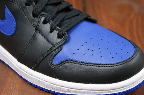 air-jordan-1-high-royal_06