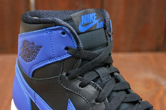 air-jordan-1-high-royal_07