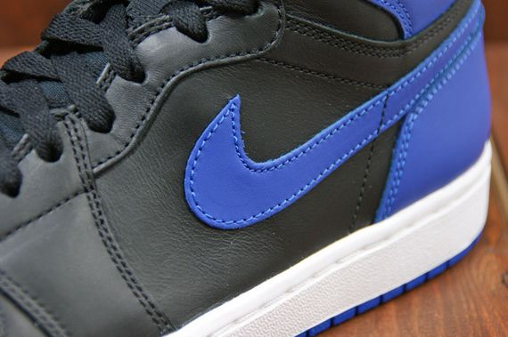 air-jordan-1-high-royal_08