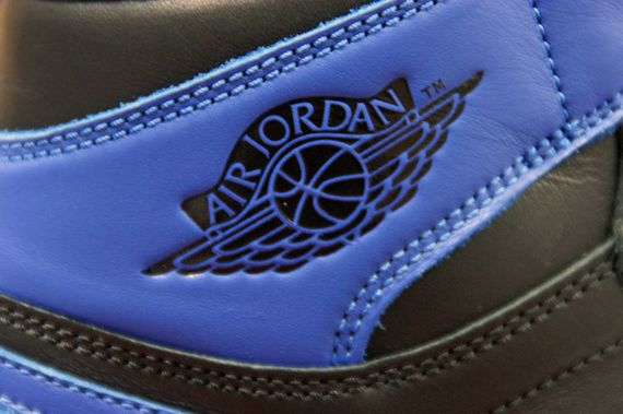 air-jordan-1-high-royal_09