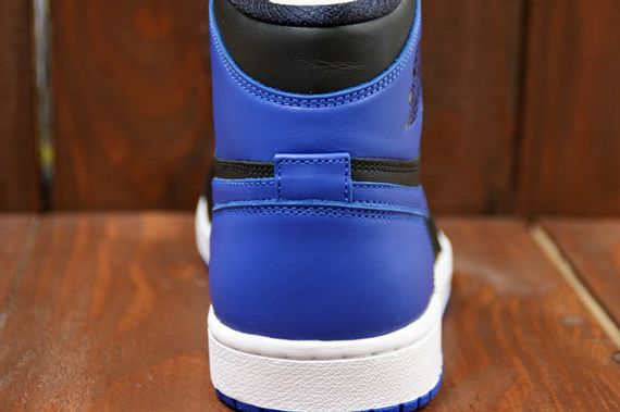 air-jordan-1-high-royal_10