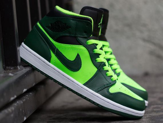 air-jordan-1-mid-gorge-green