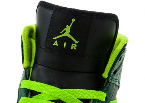 air-jordan-1-mid-gorge-green_05