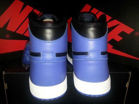 air-jordan-1-royal