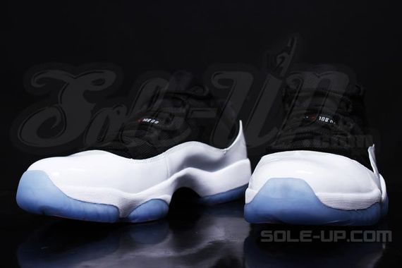 air-jordan-11-black-white-icy-sole_04