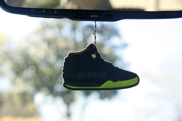 air-yeezy-2-shoepreme_04