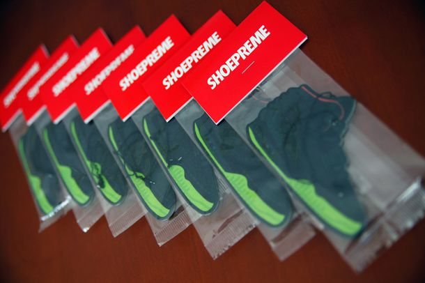air-yeezy-2-shoepreme_06