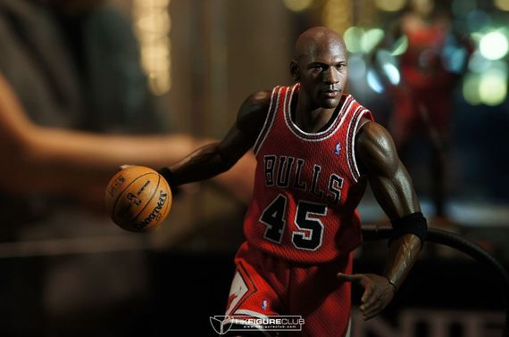 michael-jordan-figurines_05