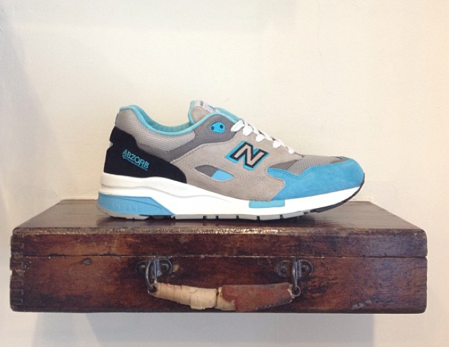 new-balance-light-blue-1600