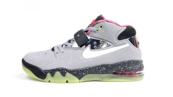 nike-air-force-max-2013-area-72-04-600x337